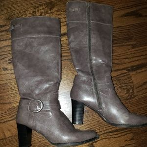 Smoke gray buckled Life Stride boots